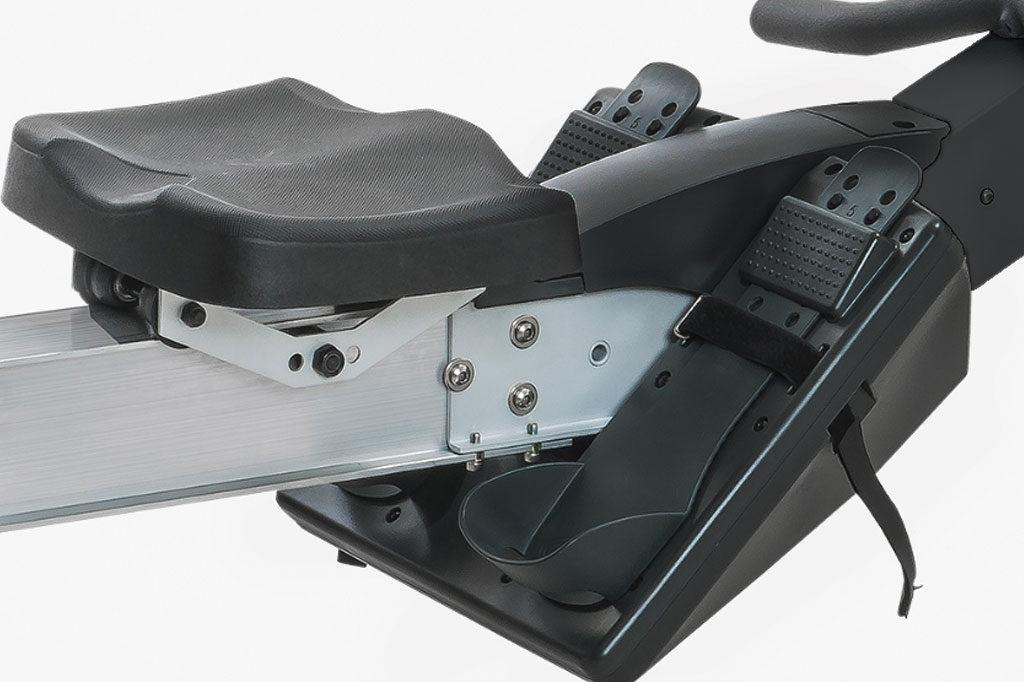 RW7500_seat-feet-1024x682