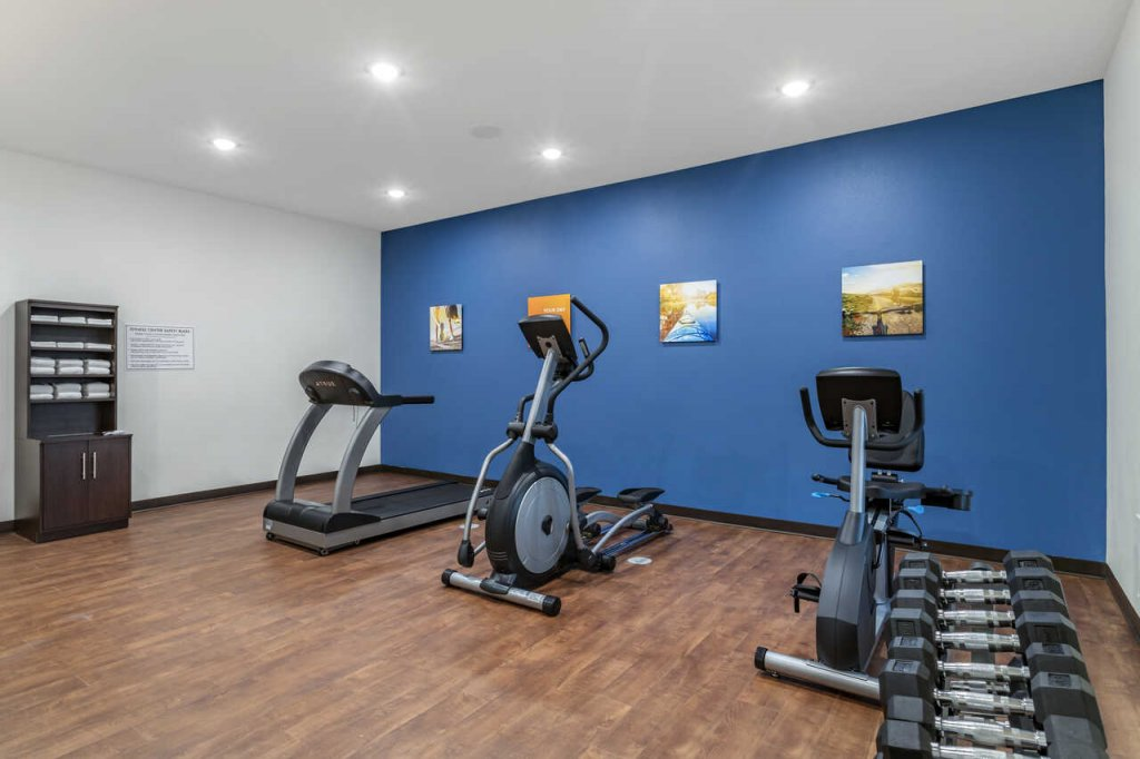 Image of exercise room at Comfort Inn, Waller, TX