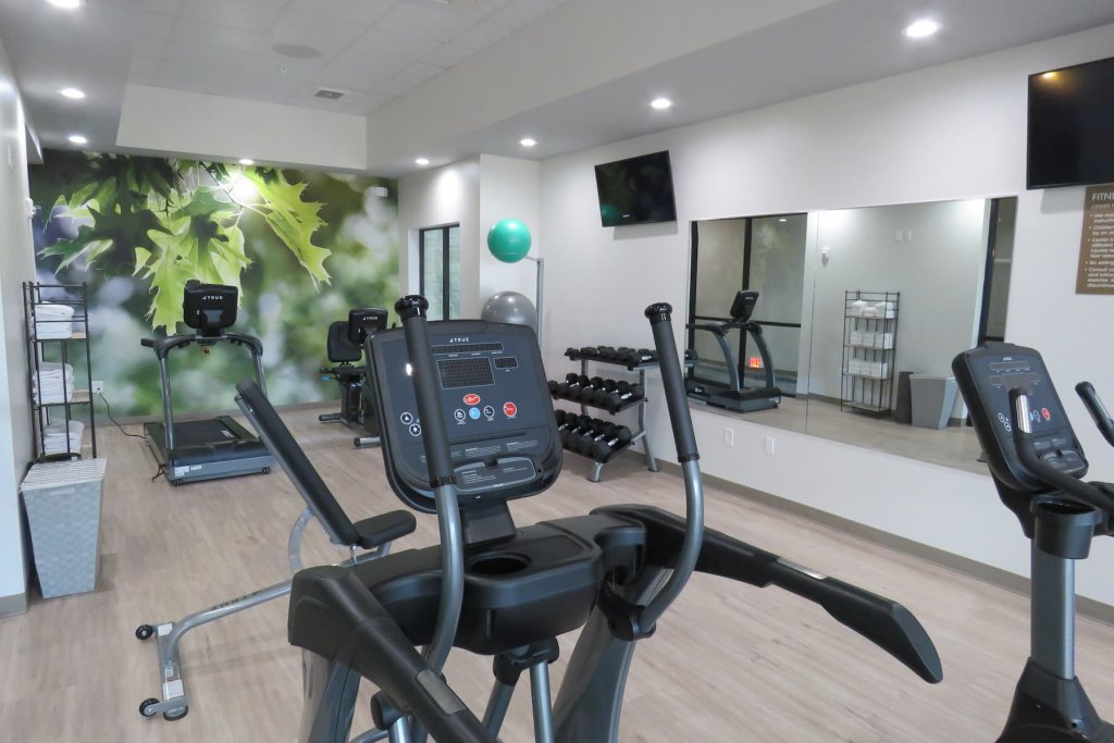 Image of exercise room at Wyndham Garden